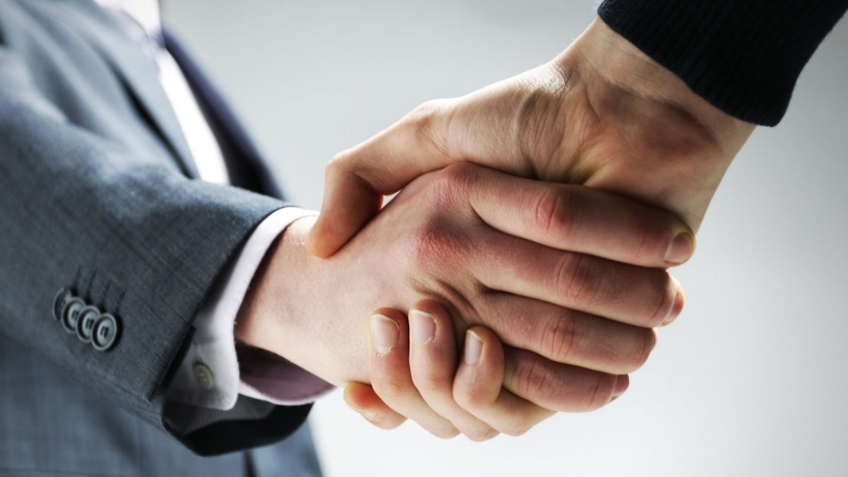 Deal Closing Handshake